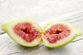 Opende fig with ripe pulp — Stock Photo