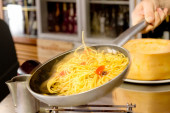 Saute spaghetti with vegetables — Stock Photo