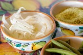 Fennel slices with sesame and french beans — Stock Photo