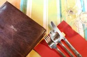 Retaurant menu over table setting — Stock Photo