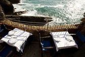 Restaurant table in front of the sea to Vernazza — Stock Photo