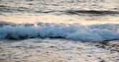 Sea waves late in the evening — Stock Photo