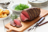 Roast beef with yorkshire pudding — Stock Photo