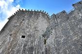 Watch walk and tower of Kamerlengo castle in Trogir, Croatia — Foto de Stock