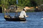 Fisherman in the Mekong delta, Vietnam — Stock Photo