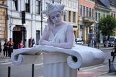 Living statue, street performer — Stock Photo