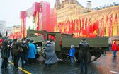 Vintage military equipment shown on the Red Square in Moscow — Stock fotografie