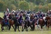 Napolyon Savaş askerler gibi giyinmiş reenactors ata binmek — Stok fotoğraf