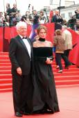 Bisset and Annaud at Moscow Film Festival — Stock Photo