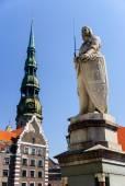Roland's statue and St. Peter's church, Riga, Latvia — Stock Photo