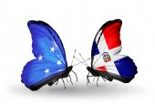 Butterflies with Micronesia and Dominicana flags — Foto Stock