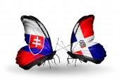 Butterflies with Slovakia and Dominicana flags — Stock fotografie