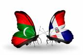 Butterflies with  Maldives and Dominicana flags — Stock Photo