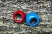 Two colored rings — 图库照片