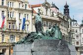 Jan Hus monument, Old town square in Prague — Stock fotografie