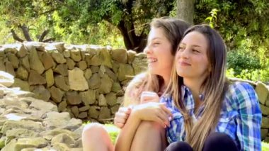Two female friends having fun — Stock Video