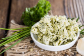Herb Butter in a bowl — Stockfoto