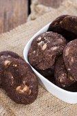Macadamia fındık ile çikolata kurabiye — Stok fotoğraf