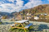 Winters morning riverside — Stock Photo