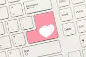 White conceptual keyboard - Two hearts (pink key) — Stock Photo