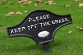 Please Keep Off The Grass — Stock Photo