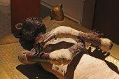 Old Egyptian mummy — Stock Photo
