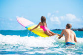 Father and Duaghter Surfing Together — Stock Photo