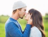 愛の幸せな若いカップル — ストック写真