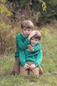 портрет двух мальчиков — Стоковое фото