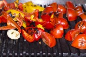 Koken groenten op de grill — Stockfoto