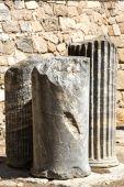 Ruins of antique columns — Stock Photo
