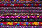 Красочные ткани Шарфы — Стоковое фото