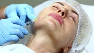 Cosmetic treatment with injections — Stock Video