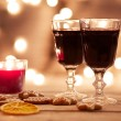 Two glasses of mulled wine with gingerbread — Stock Photo #57171705