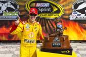 NASCAR:  Apr 07 Duck Commander 500 — Stock Photo