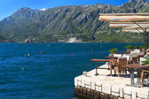 Street cafe in the town of Perast with views of the Bay of Kotor — Stock Photo