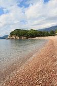роскошный пебл-бич летом, черногория — Стоковое фото