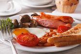 English breakfast: eggs, sausage, tomato, beans and mushrooms — Stock Photo
