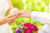 Hand of married people — Stock Photo