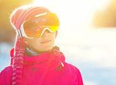 Retrato de la muchacha en google de esquí — Foto de Stock