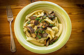 Pasta Casereccia con setas, comida italiana — Foto de Stock