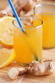 Lemon juice and ginger — Stock Photo