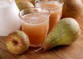 Pear smoothie with cinnamon — Stock Photo