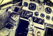 Old device in the pilot cockpit — Stock Photo