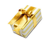 Caixa de presente com fita dourada — Foto Stock