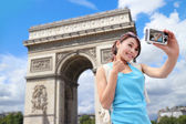 Happy woman travel in Paris — Stock Photo
