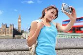 Woman traveler take photo selfie — Stock Photo