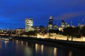 Cityscape of London at night — 图库照片