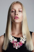 Long Hair Blonde with Vernal Garland on her Neck — Stock fotografie