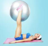 Gym. Wellness. Sporty Woman with Fitness Ball — Stock Photo